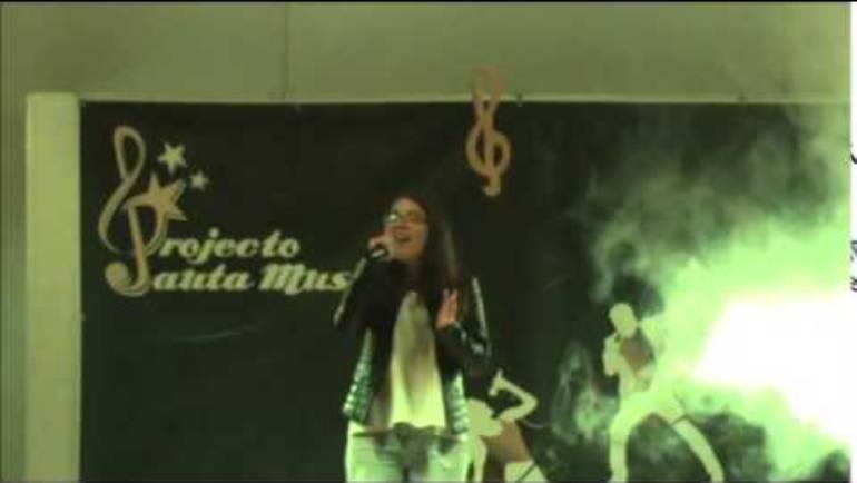 """Luciana Pereira """"Glow"""" Ellen Enderson"""