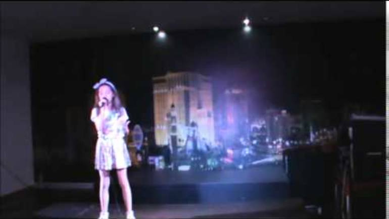 "Sara Monteiro ""podemos"" Violetta"